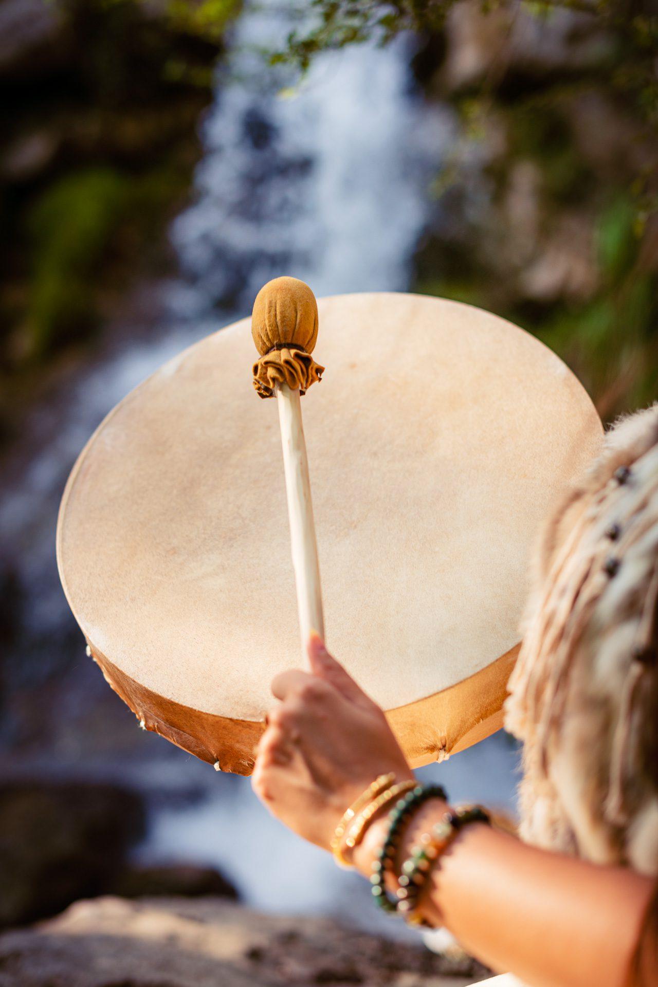 tambour-chamanique-symboliques-des-animaux